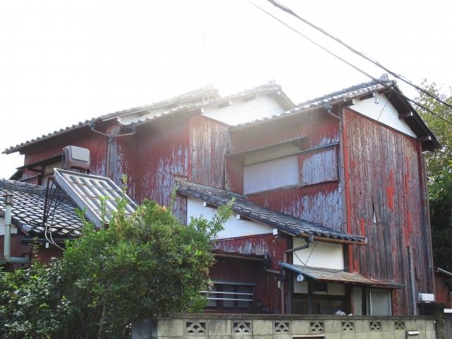 郊外の家は、良い値がつかなくても持ち続けるよりは得